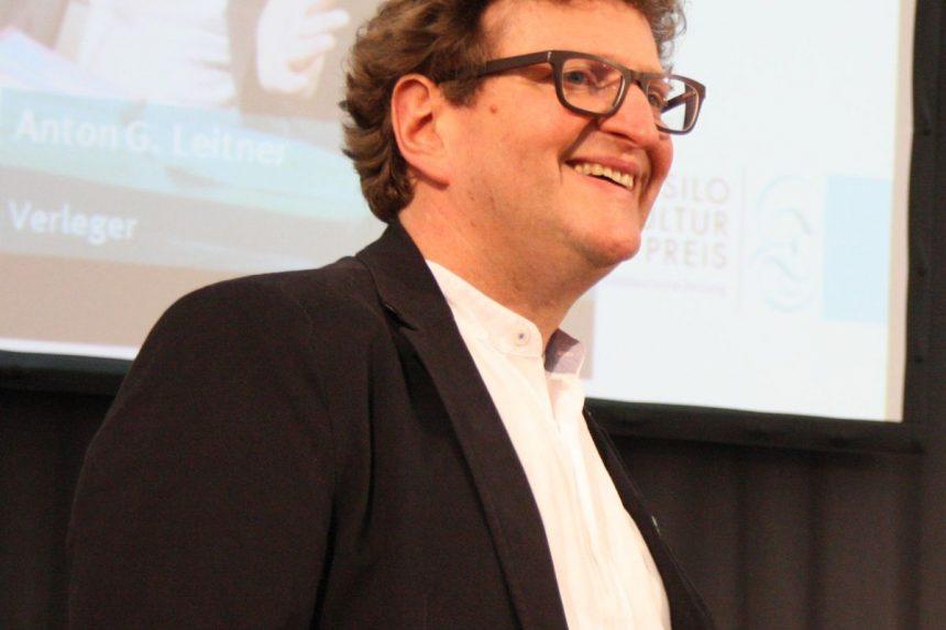 Hat den Tassilo-Kulturpreis der Süddeutschen Zeitung erhalten: Verleger Anton G. Leitner. Foto: Jan-Eike Hornauer