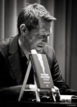 Jan-Eike Hornauer liest aus »Das Objekt ist beschädigt«. Foto: Thomas Peschel-Findeisen.