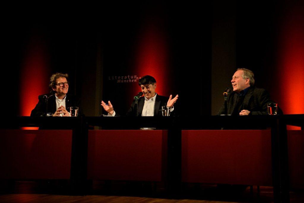 Anton G. Leitner, Antonio Pellegrino und Ludwig Steinherr im Gespräch. Foto: Volker Derlath