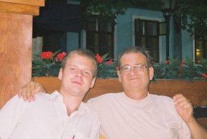 Der Dichter Zlatko Krasni mit seinem Sohn Jan