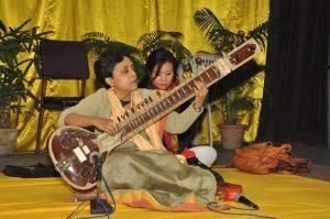 Friedenskonzert der renommierten indischen Sitar-Künstlerin Bushida Mita Nag