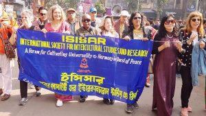 Internationaler Friedensmarsch an Silvester in Kolkata